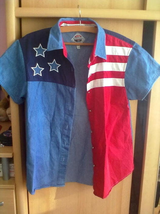Vyriški marškinėliai. sagos 'kabo' , neturiu laiko sutvarkyti ir normaliai pritvirtinti, nes šiaip ar taip niekas jų nenešioja.   Dydis: 48 / M   Keičiu, dovanoju  Ariogala