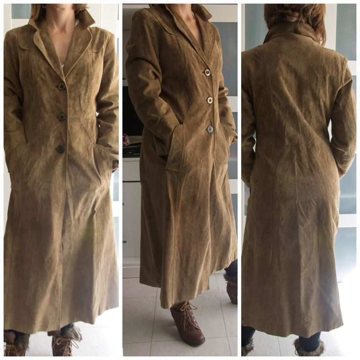 Abrigo largo de ante vintage color beige, entallado, talla S.: 30 euros. Para ver todo lo que tenemos, dale a me gusta en nuestra página de facebook Baúl De-sastre: https://www.facebook.com/pages/Ba%C3%BAl-De-sastre/1453956378172483