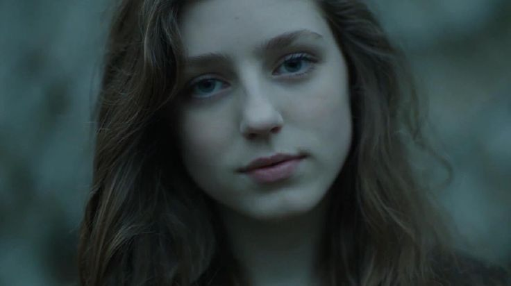 Birdy - Skinny Love [One Take Music Video] shes so beautiful. i want to look like her. and her singing style is so unique and beautiful