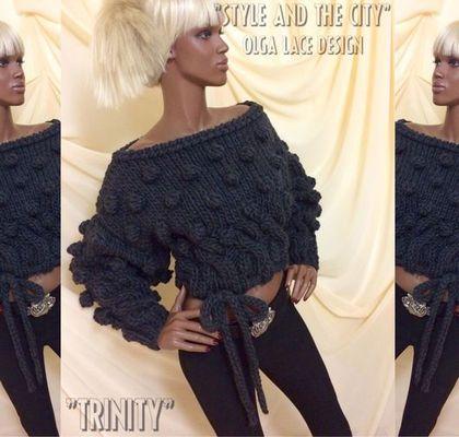 Купить или заказать Вязаный свитер 'Trinity' от Olga Lace в интернет-магазине на Ярмарке Мастеров. Молодёжный объёмный свитер 'Trinity' из коллекции 'Style and the City'. Связан спицами из тёплой и мягкой 100% шерсти - ровницы. Супер модная модель! Можно носить с открытым плечом. Цвет: темно - серый угольный. Стоимость- 16000 руб.