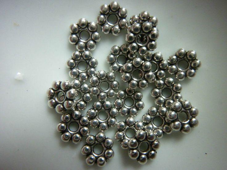 Tiny Daisy Flower Spacer beads 4mm - 30 beads from beadzandbuttons & co by DaWanda.com