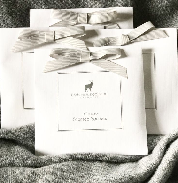 The perfect gift for all cashmere lovers. Grace is an exclusive fragrance by Catherine Robinson Cashmere. Pure luxury scented sachets for your delicate cashmere. Grace Scented Sachets by Catherine Robinson The Perfect Accessory for all Cashmere Lovers Set of Four Scented Sachets