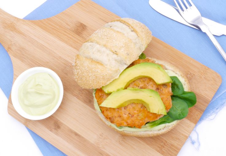 5 or less: Zalmburger met avocadospread