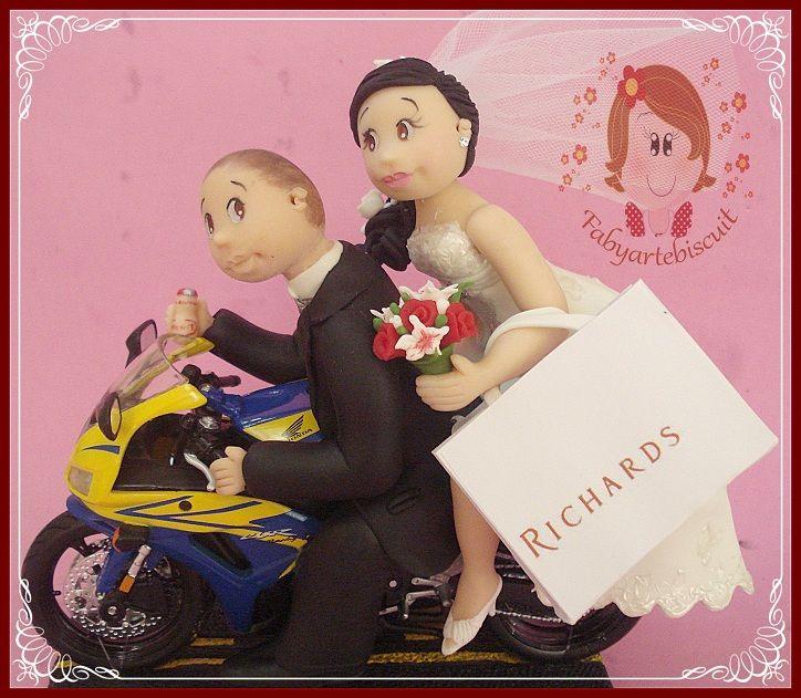 Olá. Meninas e Meninos .............   Curtam minha página e visitem minha loja.........agora com Novidades...... Aluguel e venda de bolos cenográficos........  https://www.facebook.com/fabyartebiscuitnoivos  http://www.fabyartebiscuit.com.br/  Bjos na Alma.............