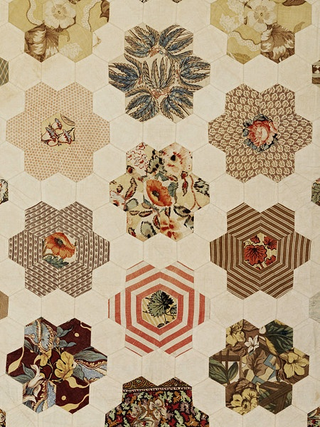 English Paper Piecing hexagons, Bed cover   V Quilt. Goo for all your scrap fabric!