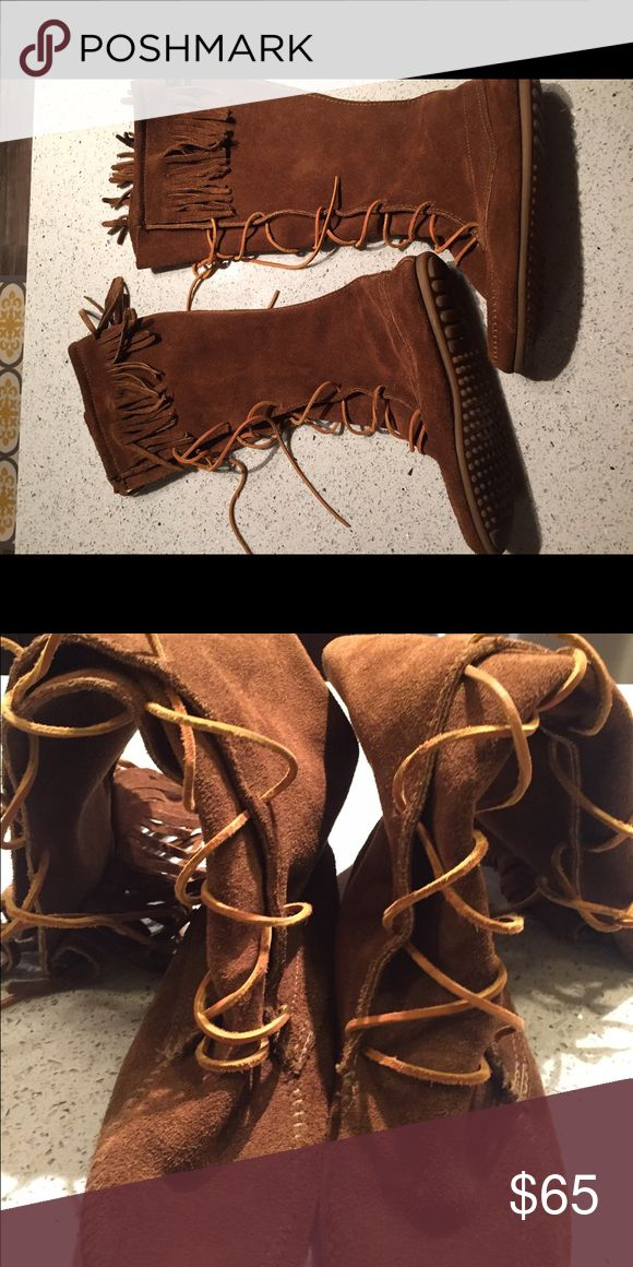 Front Lace Minnetonka boots Super cute gently used Minnetonka Shoes Lace Up Boots