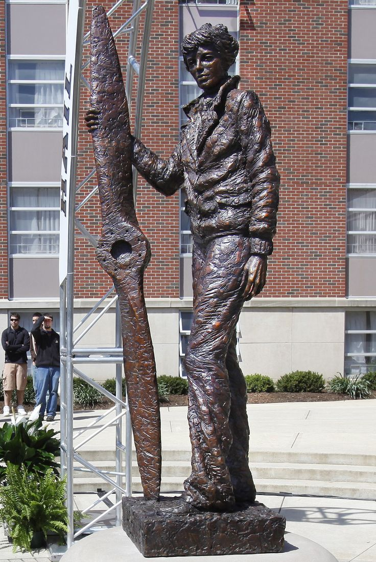 Amelia Earhart Statue in front of Earhart Residential Hall at Purdue University