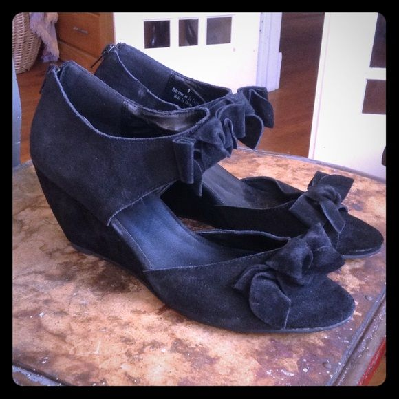 NWOT Urban Outfitters Black Suede Bow Wedged Heels Never worn. No box, only slight wear from storage. Completely clean on inside and outside of shoe and sole. Super cute! Super comfy! Kimchi Blue Shoes Wedges