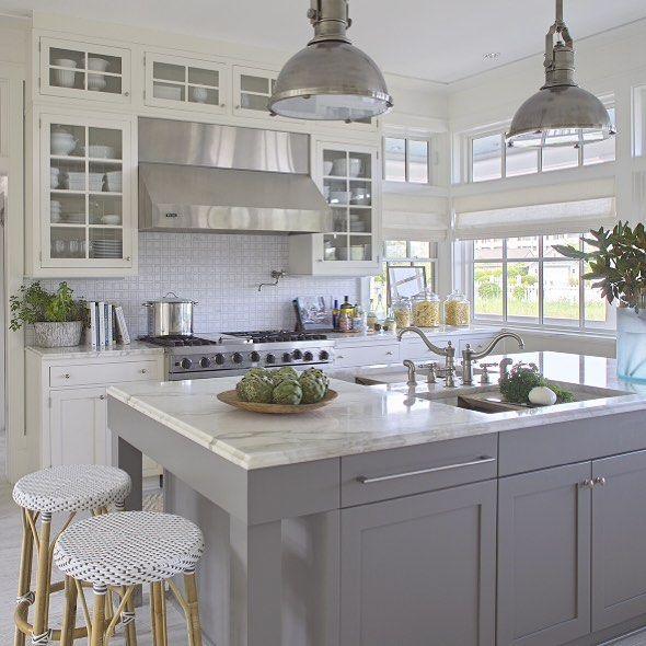 Grey and white kitchen by Urban Grace Interiors (via Instagram).