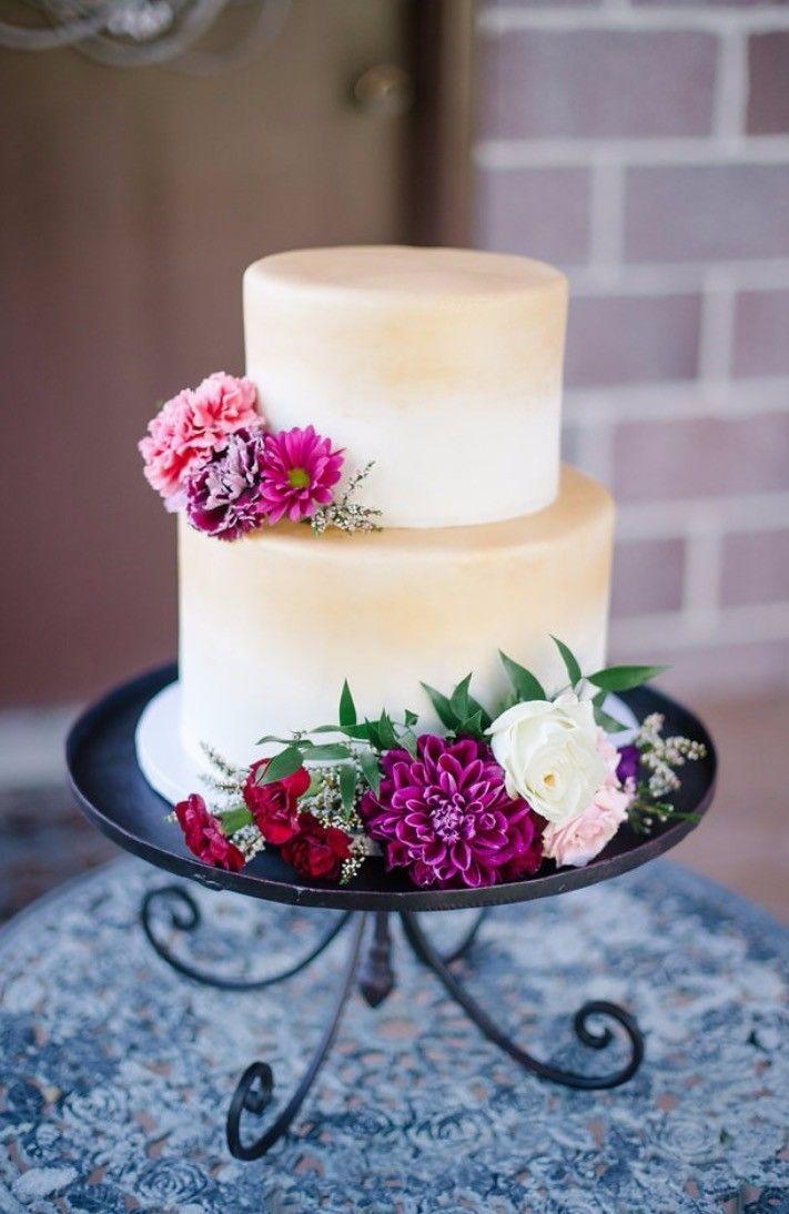 Maeflower Wedding cake decorated by Utah florist Maeflower is so elegant! #weddingcake #weddingflowers #weddinginspiration #utahflorist