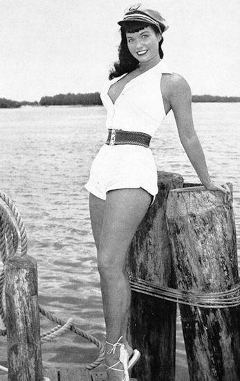 Bettie Page, Seaside, 1954