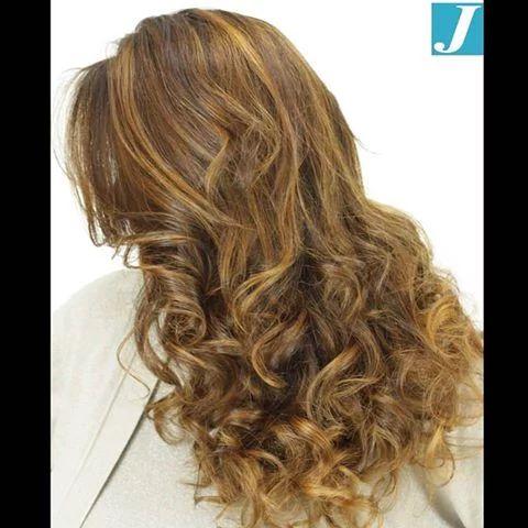 Golden shades_Degradé Joelle #cdj #degradejoelle #tagliopuntearia #degradé #igers #musthave #hair #hairstyle #haircolour #longhair #ootd #hairfashion #madeinitaly #wellastudionyc #workhairstudiovittorio&tiziana #roma #eur