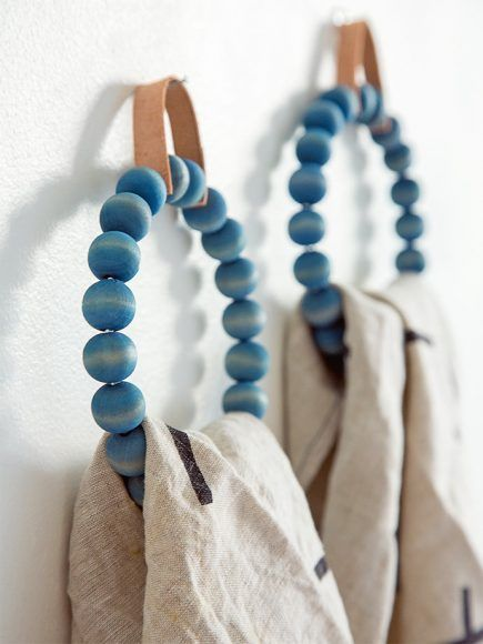 DIY Beaded Towel Ring, tutorial via Spoon Fork Bacon