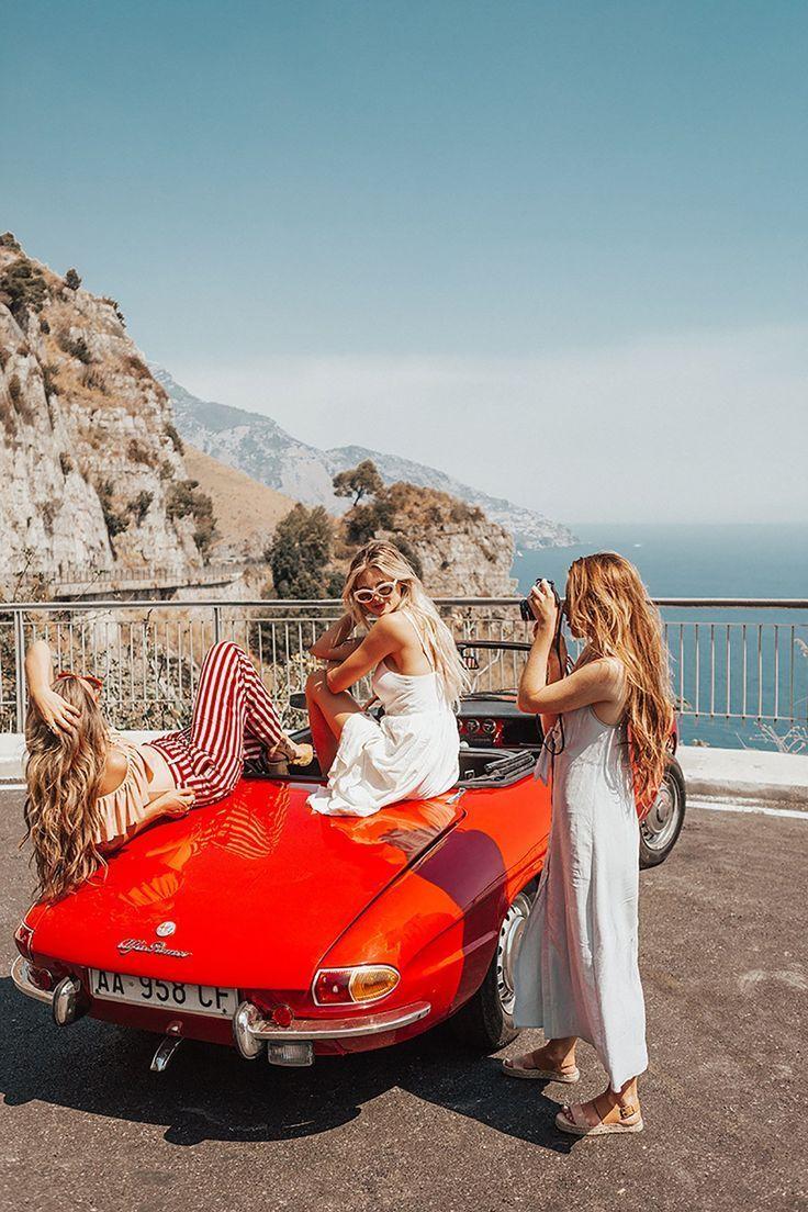 Roadtrip mit den besten Freundinnen – Old sport cars – Alfa Romeo