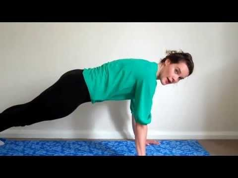 Flatten your tummy in 4 easy moves!
