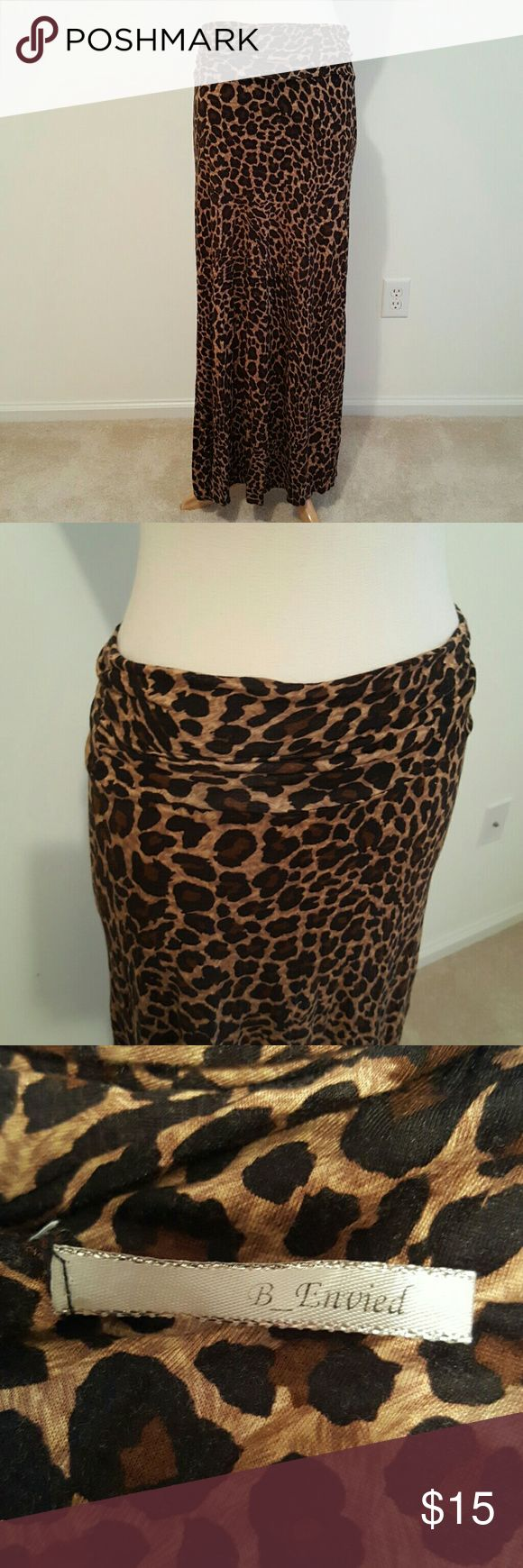 Leopard maxi skirt 👒Excellent condition. Unsure of size and fabric content as tags are not attached. B. Envied Skirts Maxi
