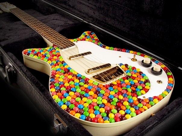 гитара из конфет - Яндекс.Картинки