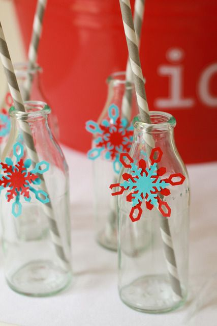 These #snowflakes liven up any baby shower or birthday party! #pinparty