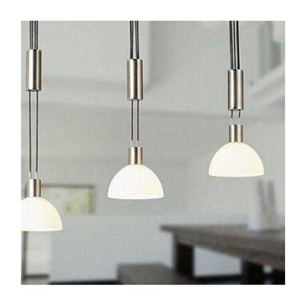 BRILLIANT AMIRA E14 PE3  Lampen Amira skiller se gut med vakre hengende lamper og en overflate av jern og krom. Spisebord ville passet perfekt.
