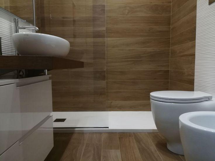 Bagno realizzato con piastrelle Fap Ceramiche - Serie Nuances e Lumina - Realizzazione Idroproject