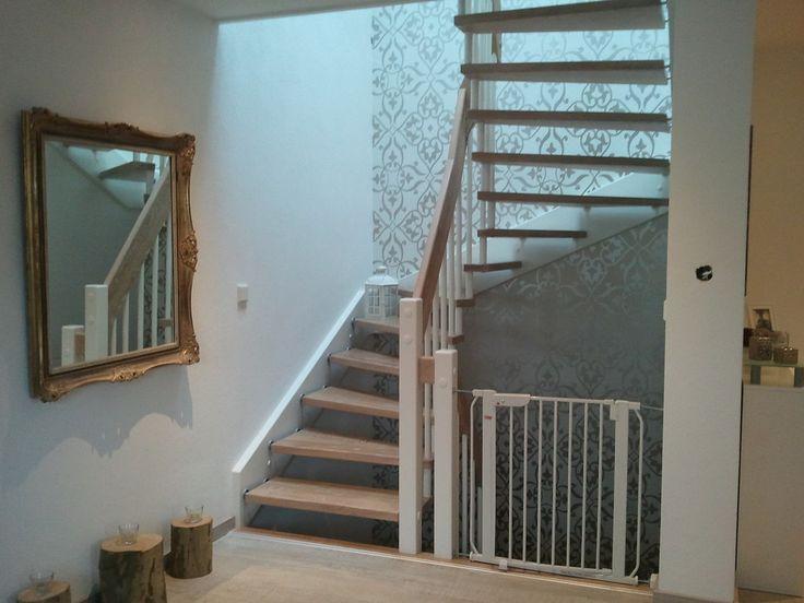 die besten 25 freitragende treppe ideen auf pinterest. Black Bedroom Furniture Sets. Home Design Ideas