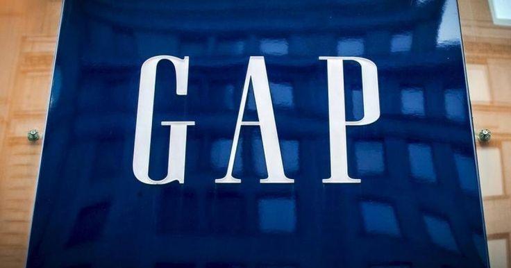 """La campaña publicitaria más reciente de Gap es blanco de las críticas por perpetuar los estereotipos de género. Los anuncios presentan al """"Pequeño académico"""", un niño aspirante a científico, y a una niña como """"Mariposa social"""" (que se traduciría como """"la más sociable""""). Muchos están indignados por el hecho de que una compañía como Gap, que se enorgullece de su historial de responsabilidad social, esté reforzando los estereotipos de género."""
