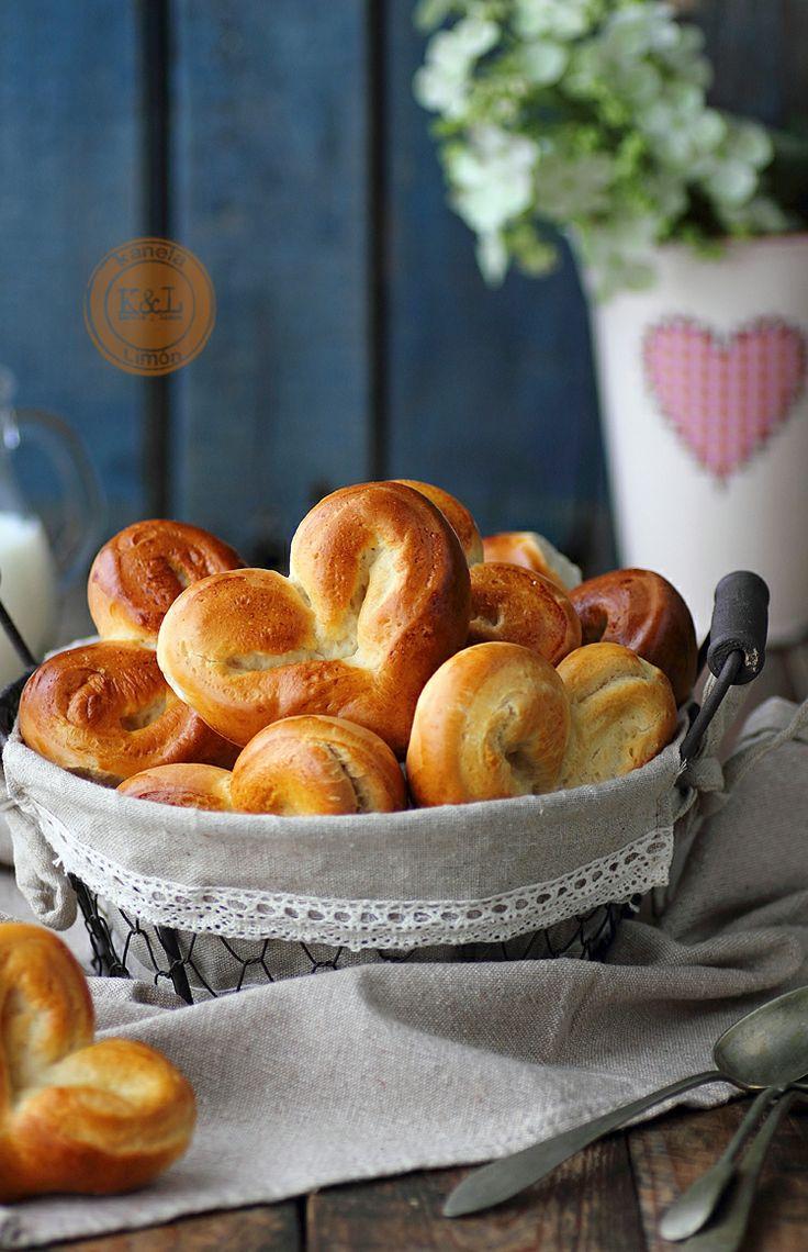 Corazones De Pan De Leche / San Valentín. Milk Bread Hearts For Valentine's Day. Kanela y Limón.