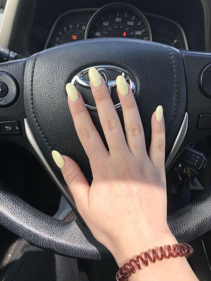 Hellgelbe ovale Acrylfarben #AcrylicNailsChristmas #AcrylicNailsSquoval – Acrylic Nails Squoval