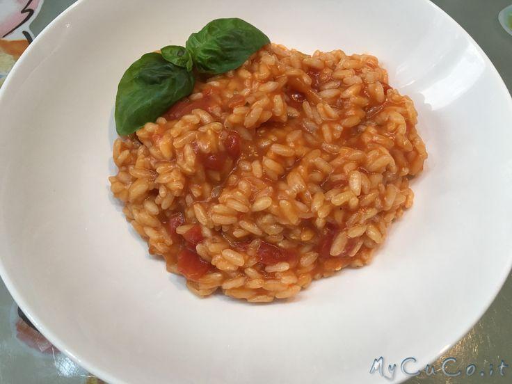 Risotto al pomodoro con Cuisine Companion - http://www.mycuco.it/cuisine-companion-moulinex/ricette/risotto-al-pomodoro-con-cuisine-companion/?utm_source=PN&utm_medium=Pinterest&utm_campaign=SNAP%2Bfrom%2BMy+CuCo