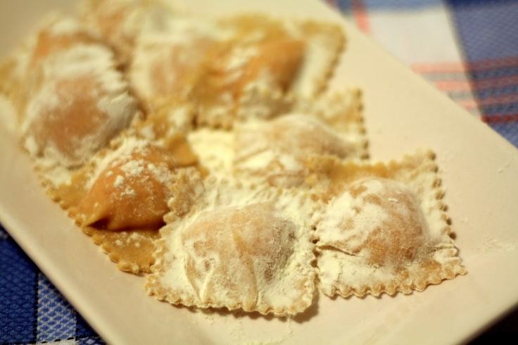 Pasta Fresca: Ravioli de Calabaza y Feta