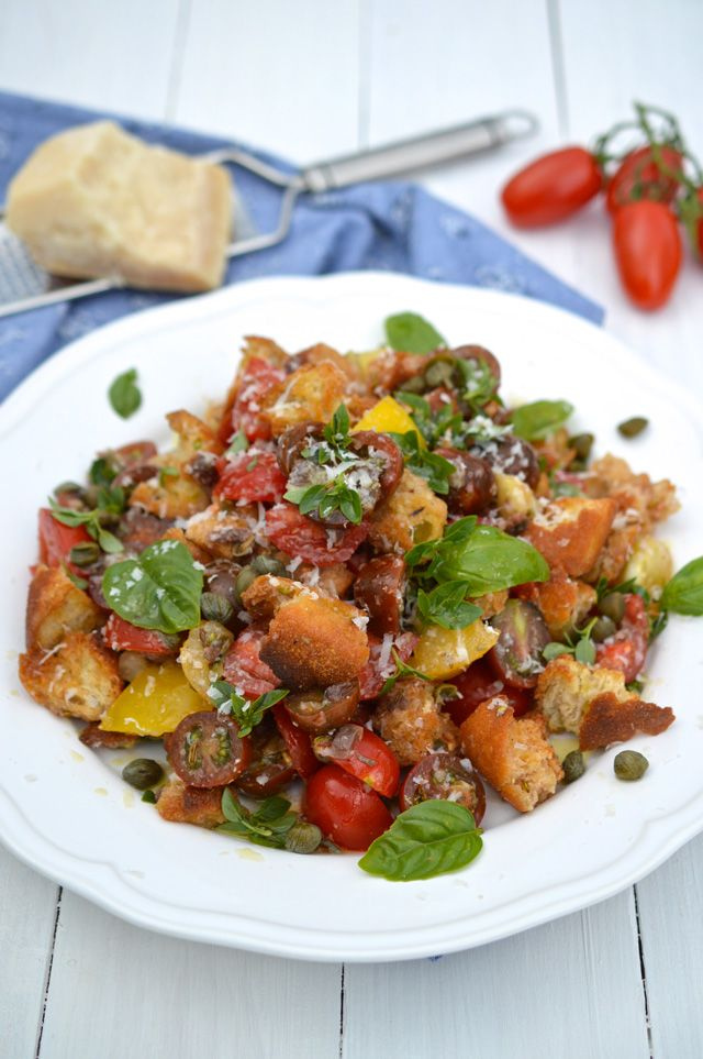 Toskánský rajčatový salát | Tuscan tomato & bread salad