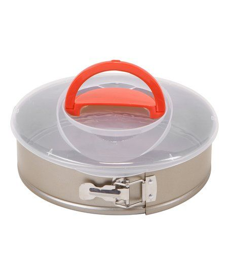 Bake blissful cakes with this impressive non-stick spring form pan designed to be extra durable for long-lasting use. The stay-flat design prevents warping, and the handy included storage lid allows you to transport and preserve your creations.