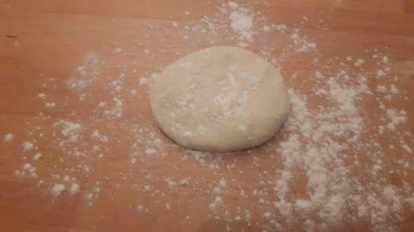 Türkisches Brot aus der Pfanne Rezept - Tavada Tereyağlı Katmer Tarifi