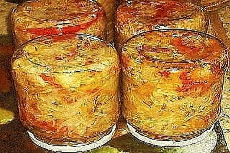 Потребуется:  1 кг. - капусты 1 кг. - помидор 1 кг. - огурчиков 1 кг. - сладкого перчика 1 кг. морковки Если чего-то из овощей нет —— то берете 2 кг. другого овоща.  Всё порезать как на салатик, морковку на терке. Все овощи смешать. И туда добавить;  раст. масло -200гр. уксуса 9% 200 г