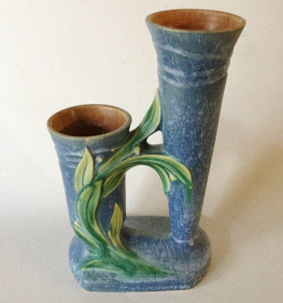 Scarce ROSEVILLE Blue VELMOSS II Double Bud Vase 116-8 Art
