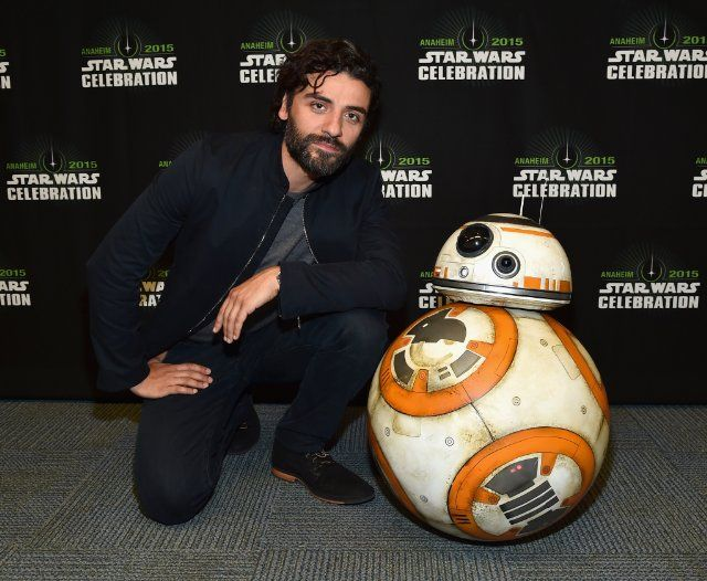Oscar Isaac at event of Star Wars: Episode VII - The Force Awakens (2015)