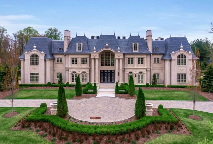74 best french style images on pinterest dream houses beautiful homes and luxury houses. Black Bedroom Furniture Sets. Home Design Ideas