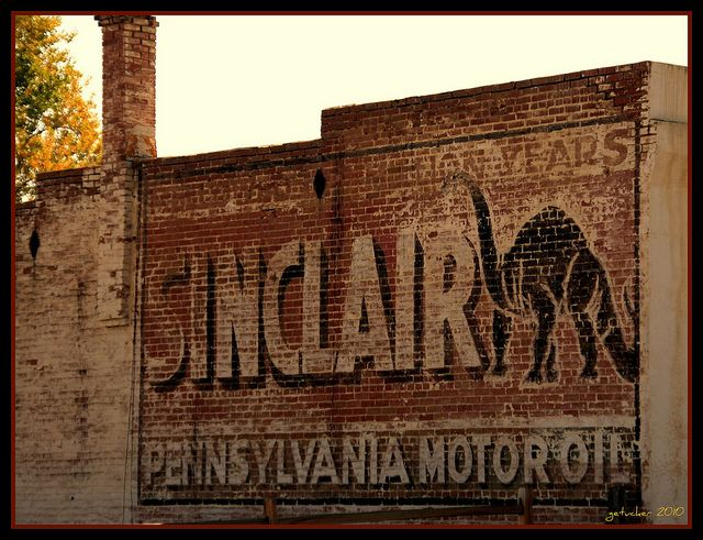 Sinclair Pennsylvania Motor Oil by the Gallopping Geezer, via Flickr
