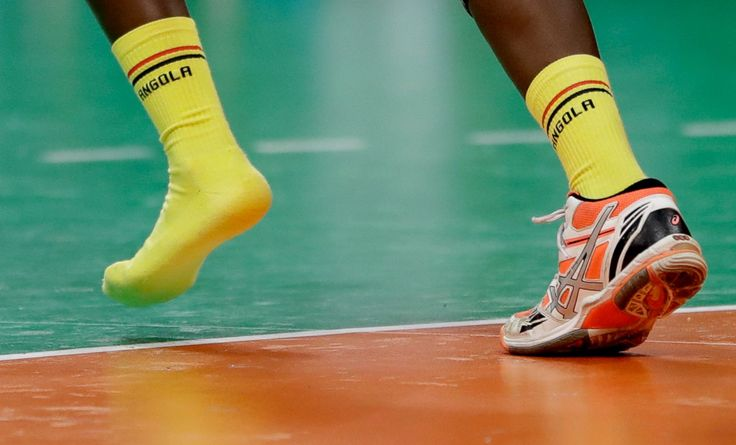 Angola's Magda Alfredo Cazanga lost her shoe during the women's preliminary…