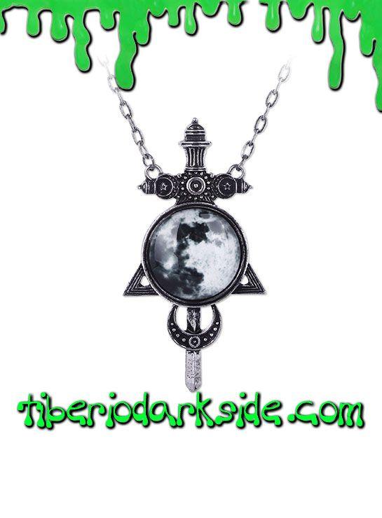 BLACK MAGIC MOON SWORD PENDANT  Colgante de espada con luna llena y símbolos, de la colección Magia Negra. Material: aleación.  COLOR: PLATEADO TALLA: ÚNICA  TAMAÑO: 9,5 cm alto