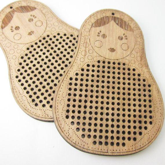 2 pcs. of matryoshka cross stitch blank, wood pendant blank, needle craft pendant brooch necklace button. DIY, Embroidery