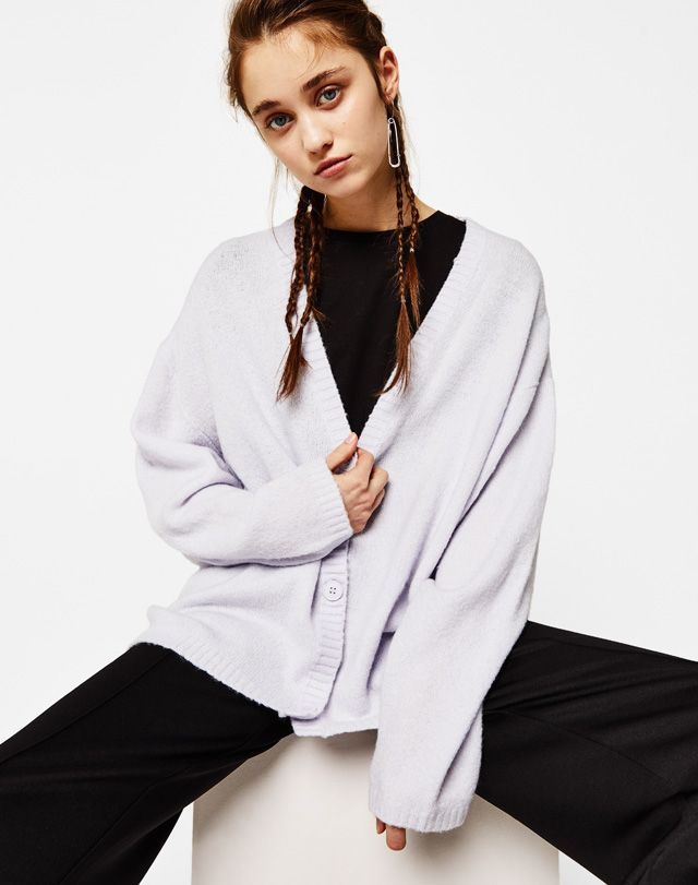 New in - Knit cardigan - Bershka #oversized #sweater #cozy #cardigan #knit #comfy #outfits #bershka