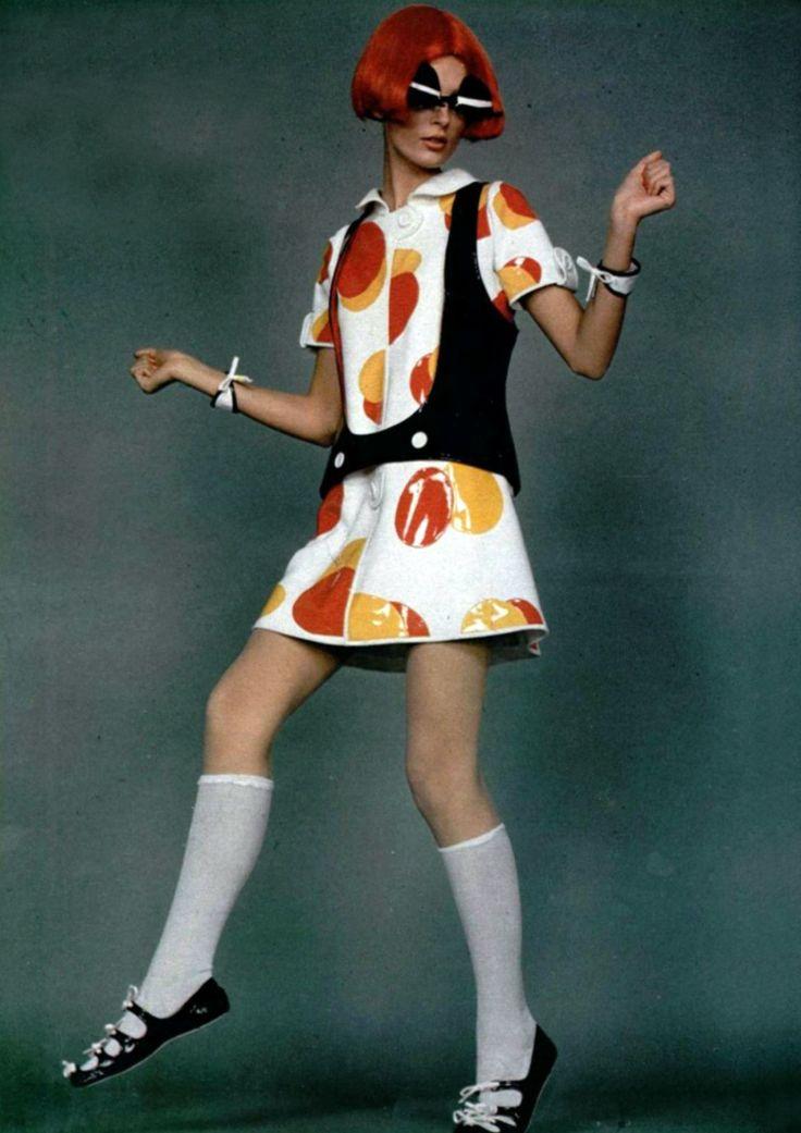 Courrèges 1970, vinyl dress