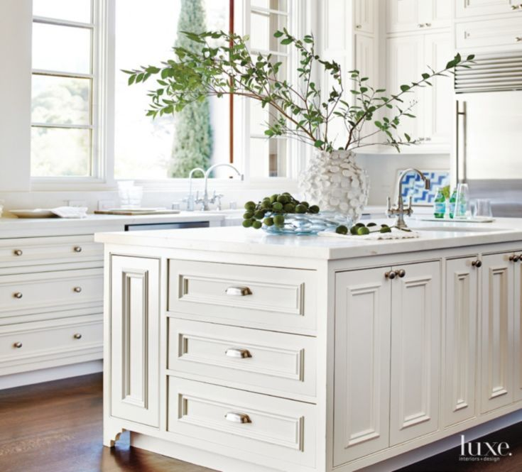 Traditional Off White Kitchen Cabinets: Contemporary Off-White Kitchen