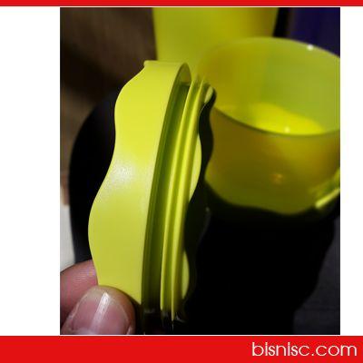 Inovasi tutup terbaru Moorlife  Moorlife Fiore menggunakan 'One push seal' sehingga memudahkan untuk menutup dan membuka wadah plastik