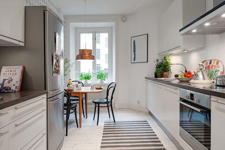 Alvhem - Bringing colors to kitchen