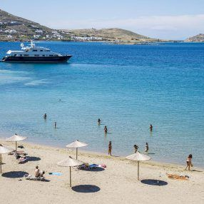 Piperi beach in Paros