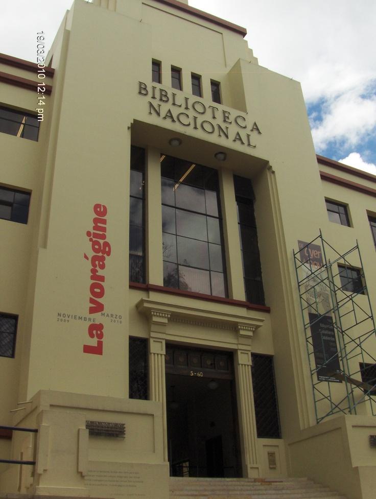 La Biblioteca Nacional de Colombia, BNC, fue la primera biblioteca (de las actuales bibliotecas nacionales) fundada en América. El edificio actual fue diseñado por el arquitecto Alberto Wills en 1933 y fue declarado Monumento Nacional de Colombia mediante el decreto 287 del 24 de febrero de 1975.1 Se encuentra en en el barrio Las Nieves de la localidad de Santa Fe en la ciudad de Bogotá.
