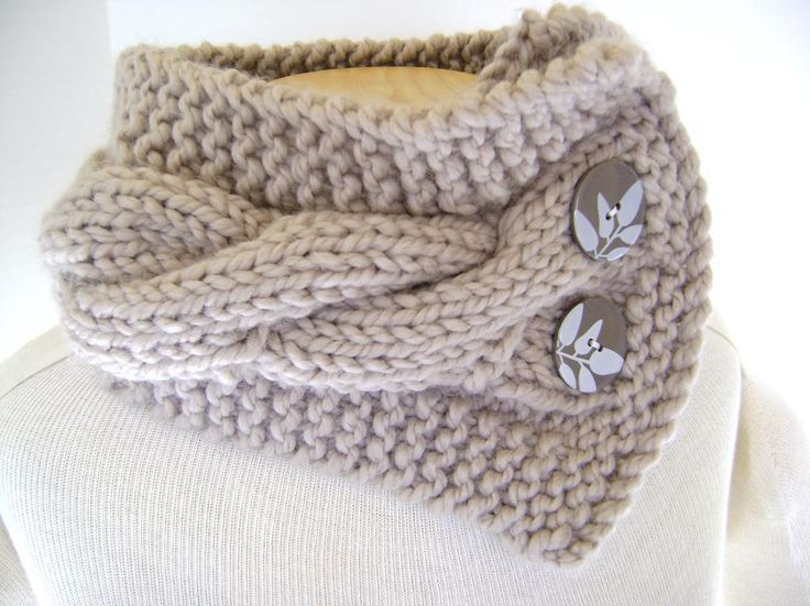 Classic Cabled Cowl