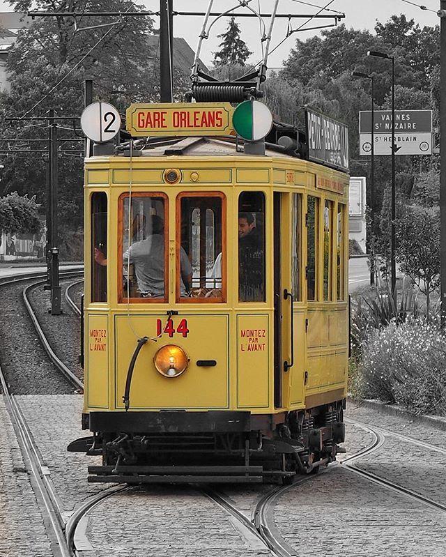 Voyage dans le temps à Nantes avec le premier tramway électrique 🚋 en service de 1913 à 1958 #igersnantes #igersfrance #lvan #nantesfr #igrecommend #gf_france #ig_france #loves_france_ #super_france #bns_france #jaimelafrance #visitlafrance #ig_today #ig_worldclub #lesphotographes #commcam #ig_europe #hello_france #nantes #olympus #olympusomdem #myolympus #découvrirensemble #cettesemainesurinstagram #kodakmoments #huffpostgram #grainedephotographe #france_greatshots #tan #jep2016